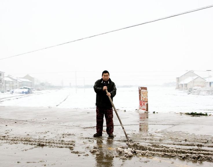 Snow_Shovel_JiaShan_01-28-14_5208_11x14_Douglas_Stockdale
