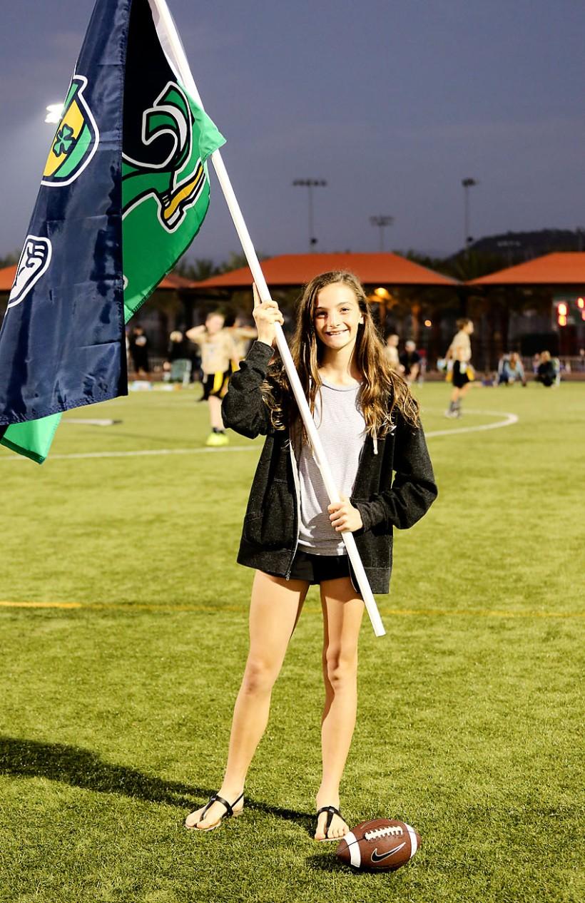 10-23-15_Ella_flag_girl_KI6A0570_San Clemente